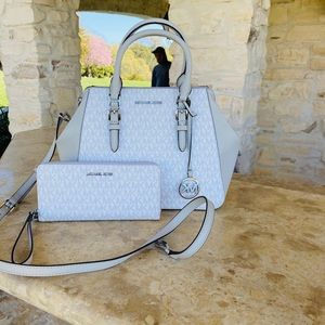 NWT Michael Kors LG Charlotte handbag&wallet white